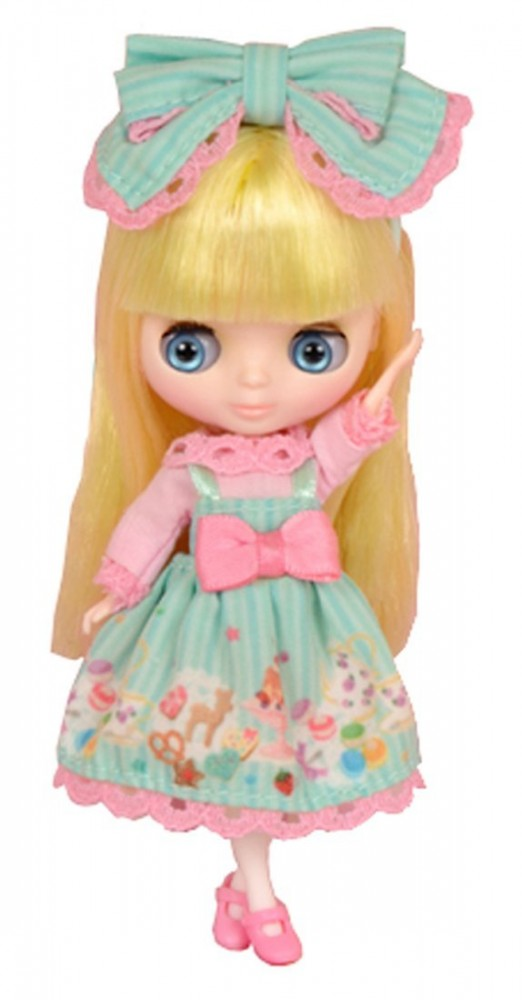 Takara Tomy Shop Limited Petite Blythe Doll Connie ...