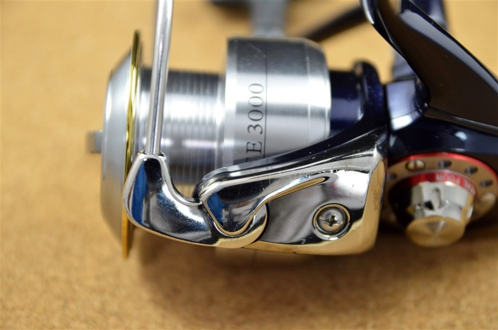 Daiwa certate 3000 high gear custom spinning reel fishing for Used saltwater fishing reels for sale